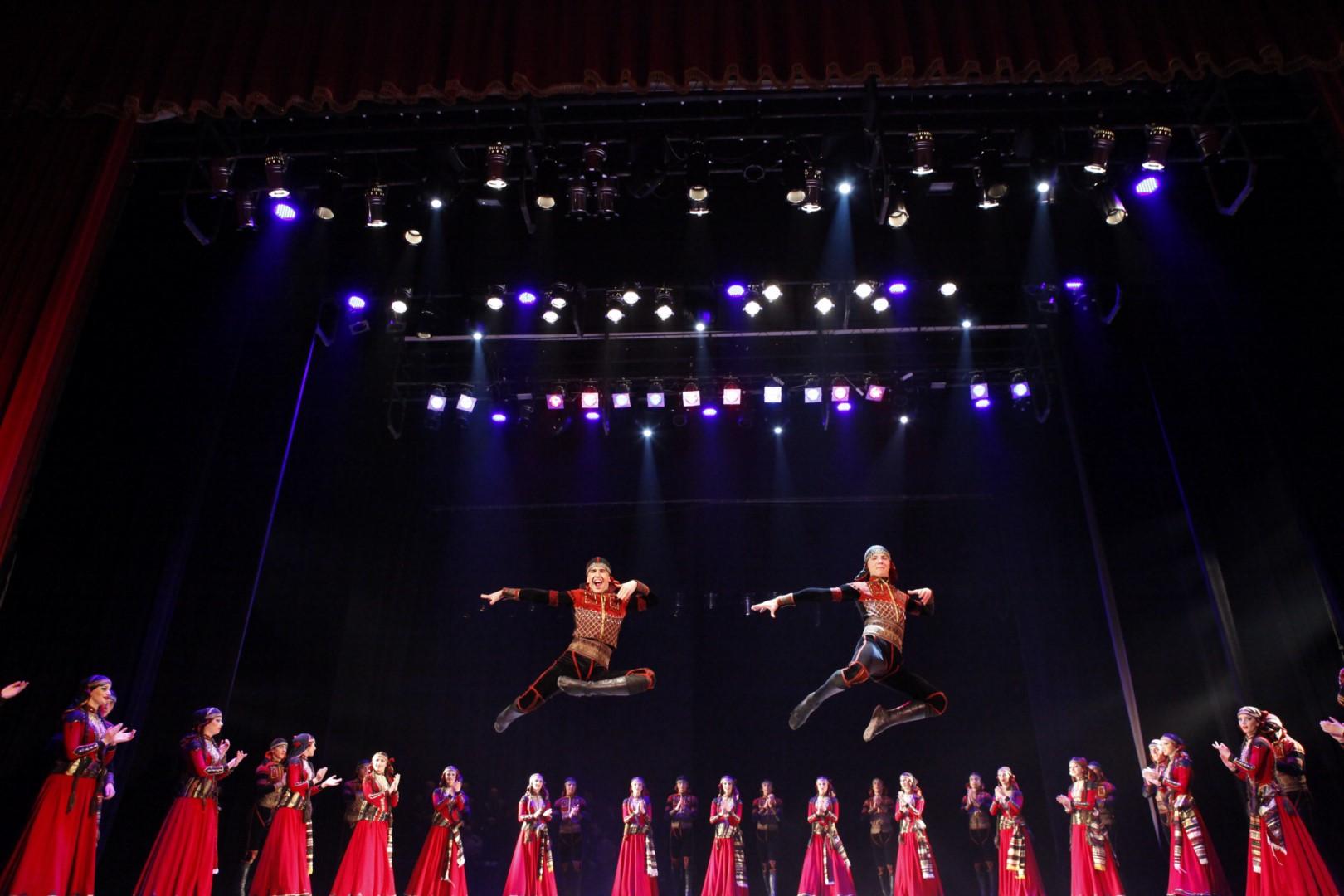Tautiniai šokiai