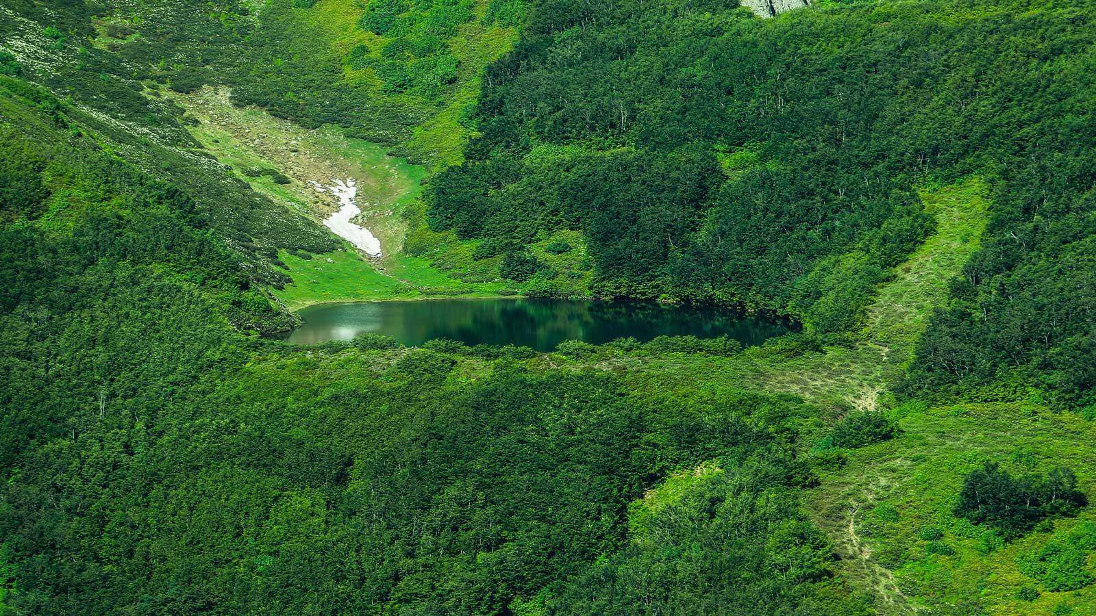 Žaliasis ežeras and Makhuntseti krioklys