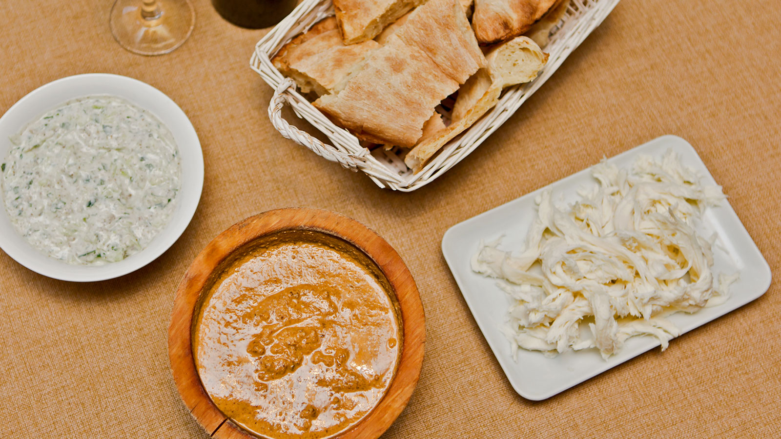 Кухня і хачапурі